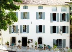 Hotel Restaurant des Deux Rocs, 1 Place Font d'Amont, 83440, Seillans