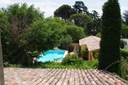 Les Amories, Ancienne Route d'Avignon - Avenue Badonviller, 13410, Lambesc