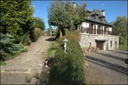 Chambres d'Hôtes Le Moulin du Pont, Le Pont Tougouze, 15140, Saint-Bonnet-de-Salers