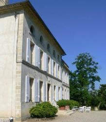 Chambres d'Hotes A la Grande Maison, 8 rue du Stade, 33350, Pujols Gironde