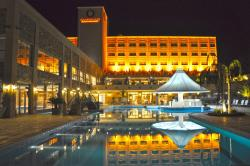 Amérian Hotel Casino Carlos V, Av. Juan Buatista Alberdi 340, 4220, Termas de Río Hondo