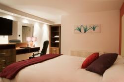 Haveli Hotel, Haveli Hotel, Coed cae Lane, CF72 9EW, Hensol
