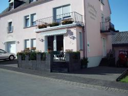 Gästehaus Alexanderhof, Liviastr. 24, 54340, Leiwen