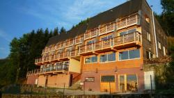 Naturessime Eco Village & Spa, Le Bourg, 15400, Cheylade