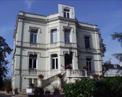 Domaine de l'Oie Rouge, 8 rue Nationale, 49350, Les Rosiers