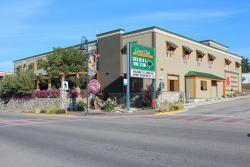 Creston Hotel & Suites, 1418 Canyon Street, V0B 1G0, Creston