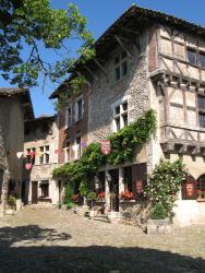 Hostellerie du Vieux Pérouges, Place Du Tilleul, 01800, Pérouges