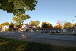 Kings Inn Orillia, 370 Laclie Street, L3V 4P3, Orillia