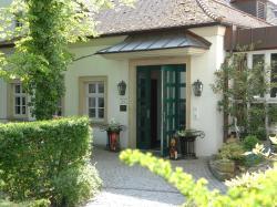 Hotel Gasthof Der Krug, Mühlendorfer Strasse 4, 96135, Stegaurach