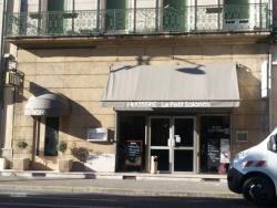 Hotel du Theatre, 29 Boulevard Nostradamus, 13300, Salon-de-Provence
