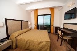 Hotel Joli, Viale Federico D'Urbino 36 B, 47890, 圣马力诺
