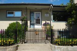 Dave & Honey's Accommodation, 804 Turret Street, T0E 1E0, Jasper
