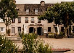 Hotel Fouillade, 11 Place Gambetta, 19400, Argentat