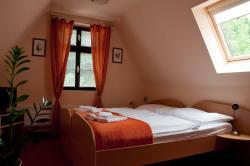 Hotel Paradies, Laubeho nám.4, 41501, Teplice