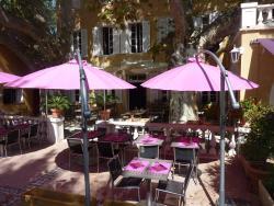 Auberge de la Loube, Place Gueit, 83136, La Roquebrussanne