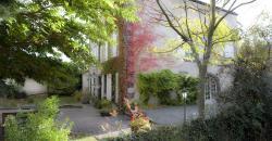 Hostellerie Le Petit Bonneval, Avenue de la République, 63170, Pérignat-lès-Sarliève