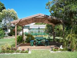 Johnstone's on Oxley Bed & Breakfast, 585 Oxley Avenue, Scarborough, 4020, Redcliffe