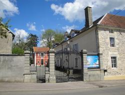 Petit Chateau Armand Bourgoin, 2 Grande rue, 70500, Raincourt