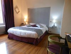 Hotel de l'Ecu de France, 10 Place Du Martroy, 45330, Malesherbes