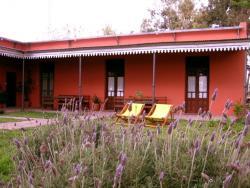 Hostería Rural Les Aldudes, Ruta 7 km 99.9, 6720, San Andrés de Giles