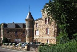 Gîtes Castel des Cèdres, 40, rue de l'Hâte, 58360, Saint-Honoré-les-Bains