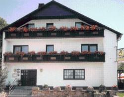 Pension Zur Linde, Gartenfeldstraße 20 a, 54413, Geisfeld