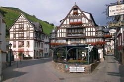 Hotel Berg's Alte Bauernschänke, Niederwaldstrasse 23, 65385, Rüdesheim am Rhein