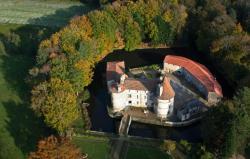 Château des Martinanches, La Ripodie, 63520, Saint-Dier-d'Auvergne