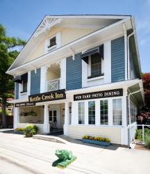 Kettle Creek Inn, 216 Joseph St., N5L 1C4, Port Stanley