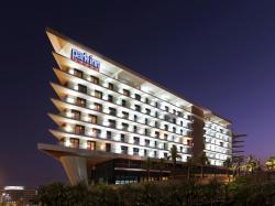 Park Inn by Radisson Abu Dhabi Yas Island, The Yas Plaza, Yas Island,, アブダビ