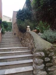 Auberge De Cucugnan, 2 Place De La Fontaine, 11350, Cucugnan