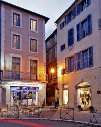 Hôtel Le Coin des Halles, 30 Place Saint Maurice, 46000, Cahors