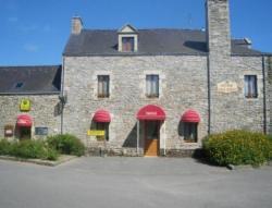 Auberge Saint Hernin, 3 Place Du Puits, 56220, Pluherlin