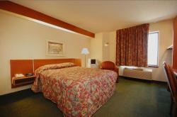 Syracuse Inn and Suites, 130 North 30th Road, 68446, Syracuse