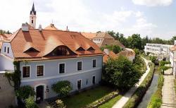 Penzion a restaurace U Míšků, Husova 11, 37901, Třeboň