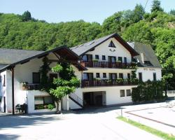 Moselhotel Waldeck, Baybachstr. 37, 56332, Burgen