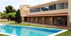Aparthotel Monrural, Plaça Espanya, 3, 43747, Benissanet