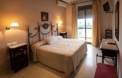 Hostal San Luis, Crtr Palma del Rio, Km 21, 14720, Almodóvar del Río