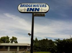 Bridgewaters Inn, 2702 County Road 2, K0E 1T1, Johnstown