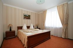 Hotel Kalyna, Dubenska Street 175b, 47000, Кременец