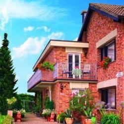 Hotel Schmidt mit Gästehaus Am Vogelsang, Am Vogelsang 37, 50170, Buir