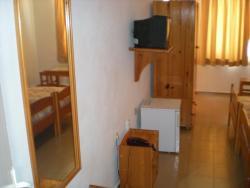 Family Hotel Astra, 13 Edelvais Str., 8180, Primorsko