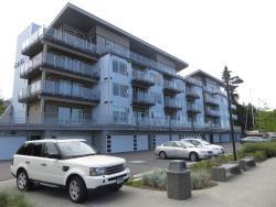 The Marinaside Resort, 1250 Stewart Ave, V9S 4C9, Nanaimo