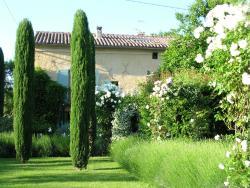 Chambres D'Hôtes Le Mas du Caroubier, Route de Vallabrix, 30700, Saint-Quentin-la-Poterie