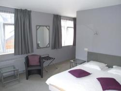 Well'in Hotel, Grand-Place 28, 6920, Wellin