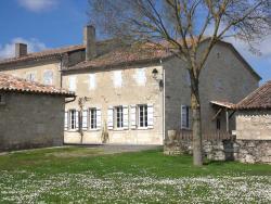 Chambre d'Hôte Les Claoues, Au Village, 32340, Plieux