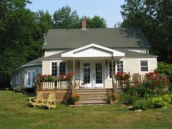 English Country Garden Bed and Breakfast Inn, 45478 Cabot Trail, Indian Brook, Cape Breton Island, B0C 1H0, Indian Brook