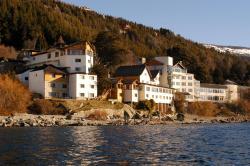 Hotel Huemul, Av. Bustillo 1500, 8400, San Carlos de Bariloche
