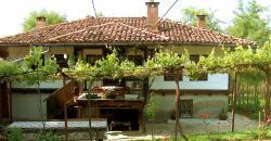 Sisters Trifonovi Guest House, 1 Mahalnici Str., 5070, Elena