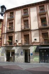 Hotel La Paz, Mayor 41, 22700, Jaca